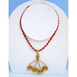 Collar del Carambolo y cadena con corales
