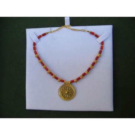 Collar Rocetón Fenicio de Cadiz con corales