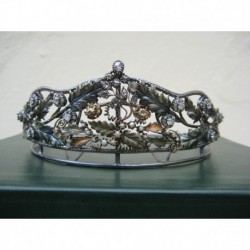 Tiara de plata con brillantes